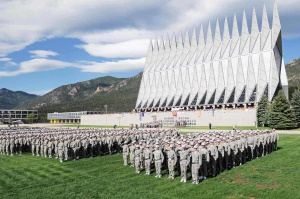 indrukwekkende kapel van de Air Force Academy | Colorado Springs