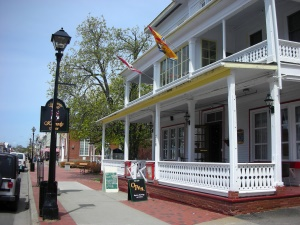 the Kennedy Inn in downtown Water Street | St. Andrews-by-the-Sea